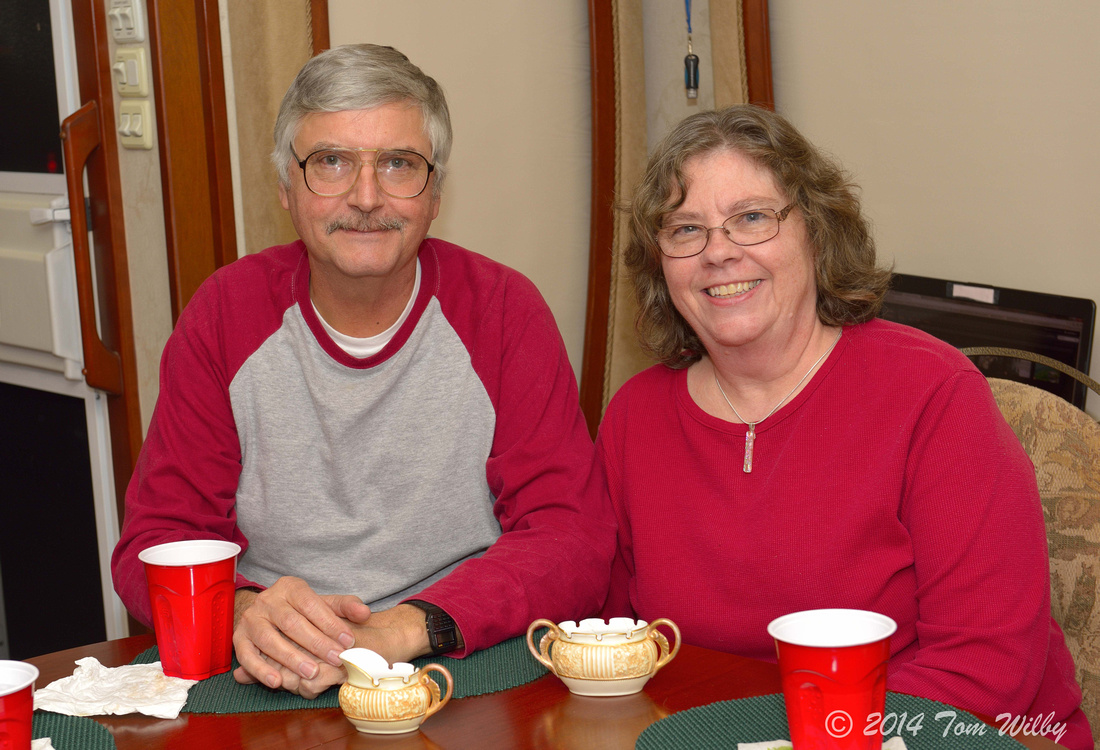 Howard & Linda Richardson joined us for dinner one night. The evening's topic wsa, of course, pottery collections.